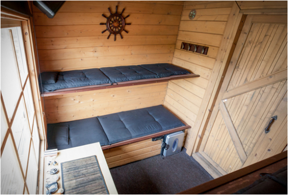 floating-sauna-houseboat-3