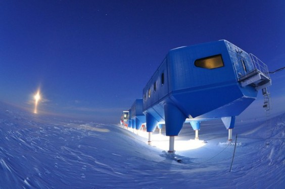 Halley-VI-Antarctic-Research-Station-By-Hugh-Broughton-Architects-28-Anthony-Dubber-Halley-VI-Research-Station-in-winter-600x398
