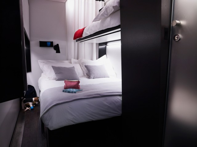 snoozebox-portable-hotel-tangerine-interiors-designboom-08