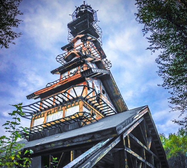 Dr-Seuss-House-Alaska