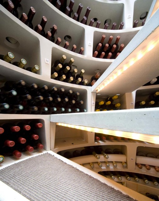 6-3  Underground_Spiral_Wine_Cellar_Spiral_Cellars_Ltd_3.jpg スパイラルワインセラー3