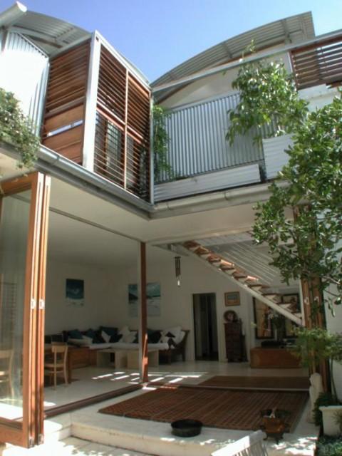 Courtyard-Aspect-Web