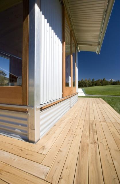 Ecoshelta-in-Canberra-Side-Deck